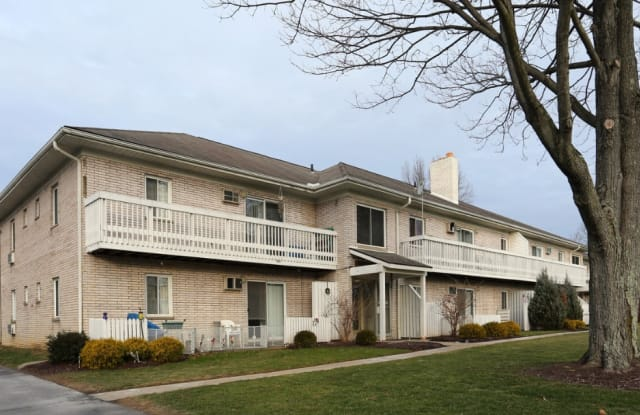 2881 Morewood Rd-103 - 2881 Morewood Road, Fairlawn, OH 44333