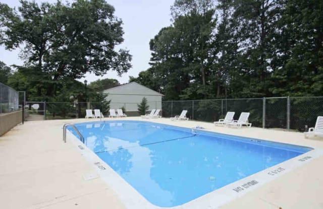 Richmond Hills Apartments - 2251 Charles Dr, Raleigh, NC 27612