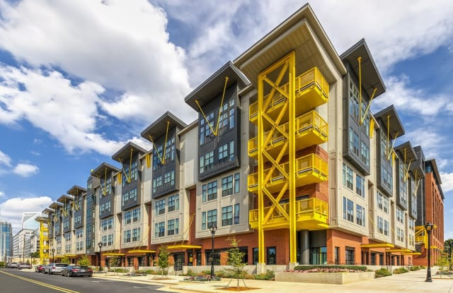 Centro Railyard Apartments - 1425 Winnifred St, Charlotte, NC 28203