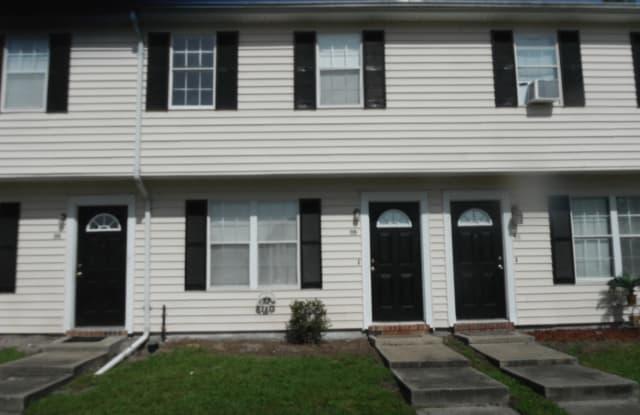 1100 Pineland Ave Apt 5B - 1100 Pineland Avenue, Hinesville, GA 31313
