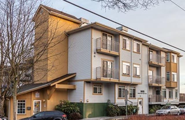 Portofino - 3815 Woodland Park Avenue North, Seattle, WA 98103