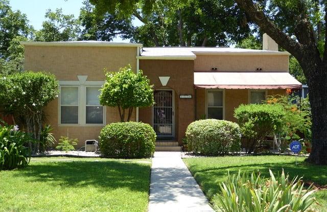 1726 W MAGNOLIA AVE - 1726 West Magnolia Avenue, San Antonio, TX 78201