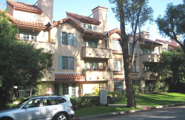 22501 Del Valle St - 22501 Del Valle Street, Los Angeles, CA 91364