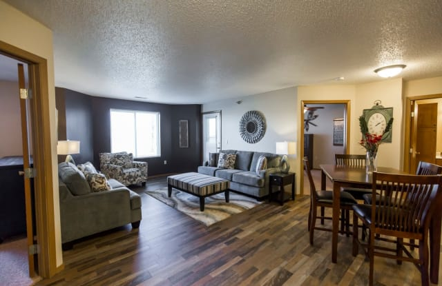 Cottonwood Apartments - 2020 S 12th St, Bismarck, ND 58504