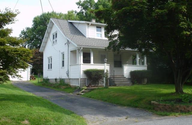 2053 STONECREST DRIVE - 2053 Stonecrest Drive, Lancaster County, PA 17601