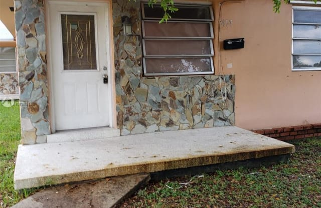 8151-53 NW 6th Ave - 8151 NW 6th Ave, West Little River, FL 33150