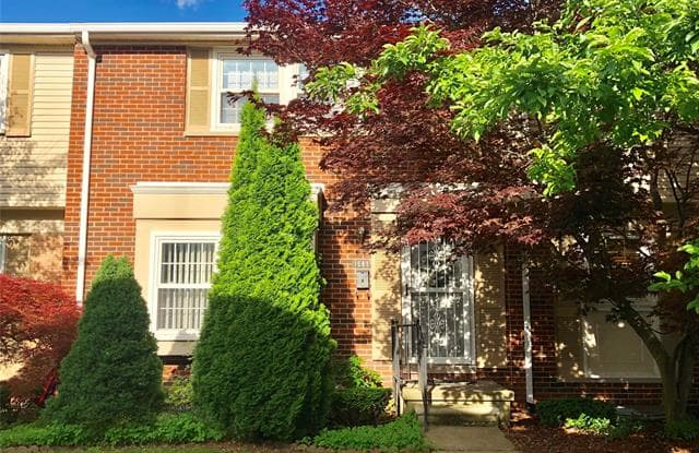 1581 BRENTWOOD Drive - 1581 Brentwood Drive, Troy, MI 48098
