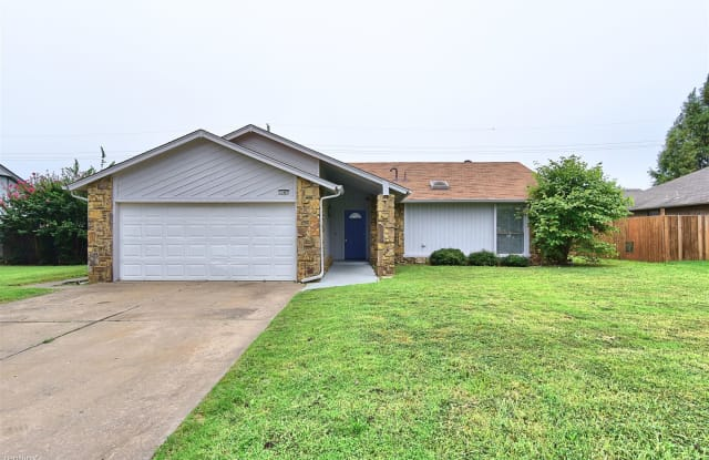 11447 S Douglas Ave - 11447 South Douglas Avenue, Jenks, OK 74037