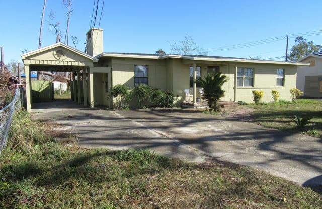 1902 Clay ave - 1902 Clay Avenue, Panama City, FL 32405
