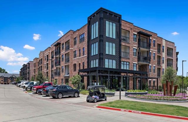 Trinity Union - 2100 Heritage Ave, Euless, TX 76039