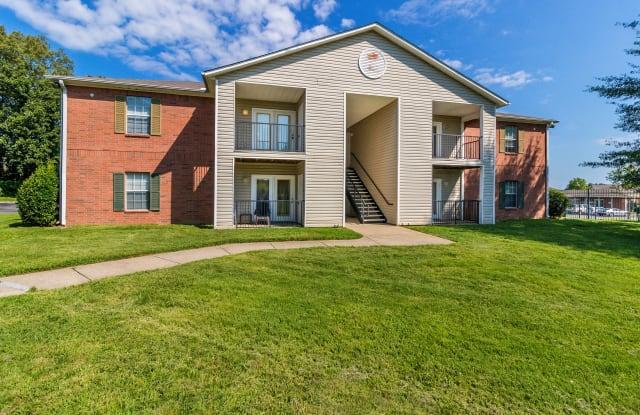 Orchard Park Apartments - 375 S Lancaster Rd, Clarksville, TN 37042