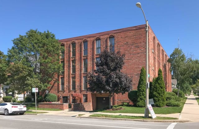 3402 N Oakland Ave - 3402 North Oakland Avenue, Milwaukee, WI 53211