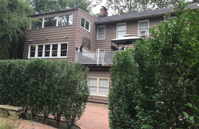 1437 Old Northern Blvd - 1437 Old Northern Boulevard, Roslyn, NY 11576