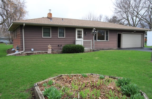 14425 18th Ave N - 14425 18th Avenue North, Plymouth, MN 55447