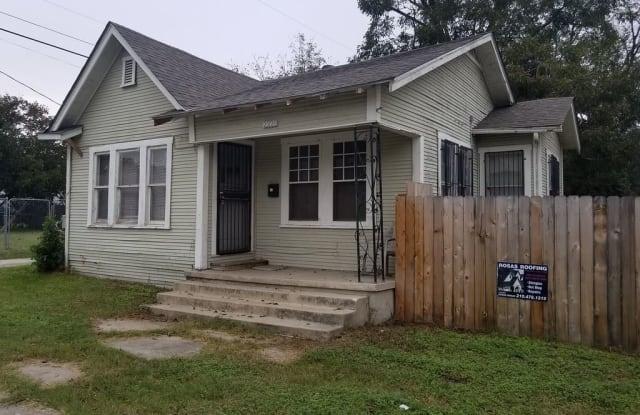 2220 S New Braunfels - 2220 South New Braunfels Avenue, San Antonio, TX 78210