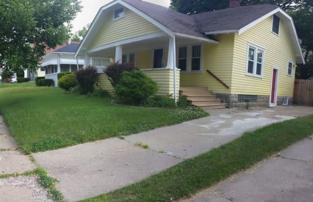 730 Frank St - 730 Frank Street, Flint, MI 48504
