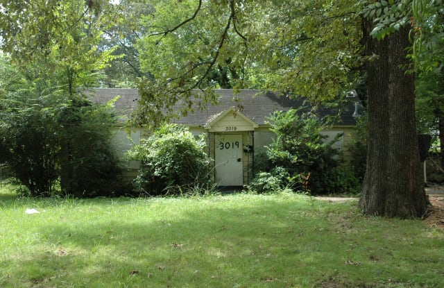 3019 Hoskins Dr - 3019 Hoskins Drive, Memphis, TN 38114