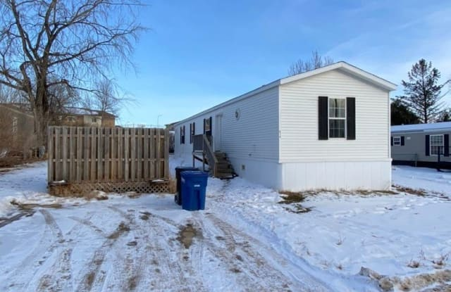 819 Southview Ave - 819 Southview Avenue, Dickinson, ND 58601