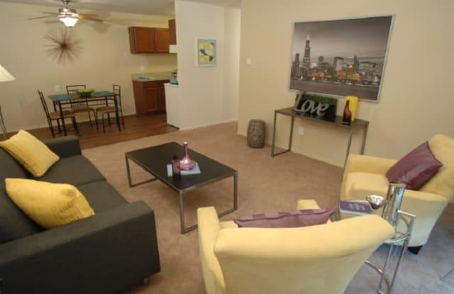 Village Oaks Apartments - 20792 Orchard Lake Rd, Farmington Hills, MI 48336