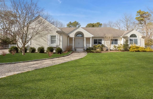 3 Old Fields - 3 Old Fields Lane, Quogue, NY 11942