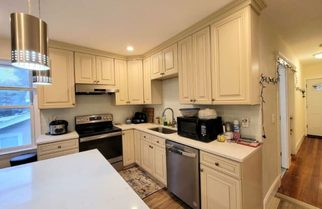 55 Waterston Ave 2 - 55 Waterston Avenue, Quincy, MA 02170