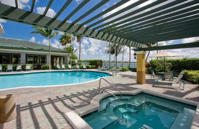 Club Lake Pointe - 555 Lakeview Dr, Coral Springs, FL 33071