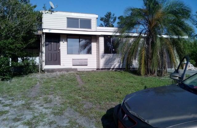 1813 Laredo Dr - 1813 Laredo Drive, Deltona, FL 32738