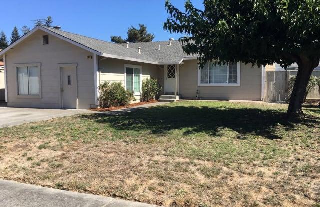 7415 Circle Drive - 7415 Circle Drive, Rohnert Park, CA 94928