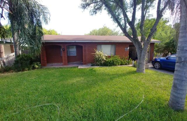 1421 W Madison Ave - 1421 West Madison Avenue, Harlingen, TX 78550