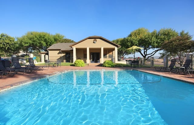 Georgetown Park - 209 Luther Dr, Georgetown, TX 78628