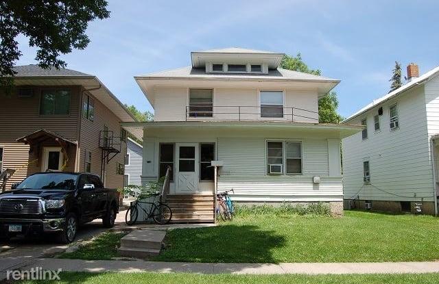 214 E Davenport St - 214 East Davenport Street, Iowa City, IA 52245