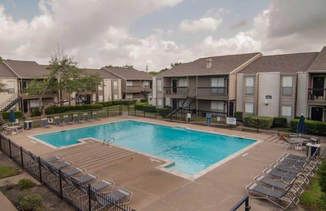 Mainstream Apartments - 3000 Murworth Dr, Houston, TX 77025