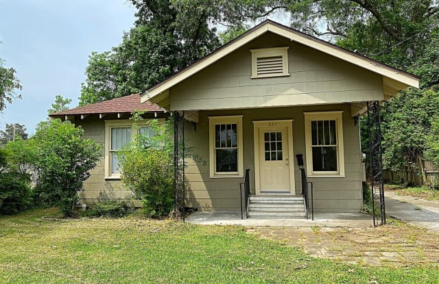 825 East Dr - 825 East Drive, Beaumont, TX 77706