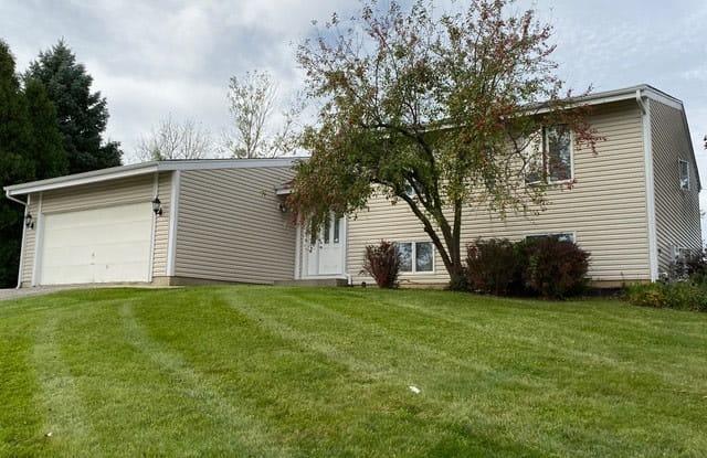 33524 North Gagewood Court - 33524 North Gagewood Court, Gages Lake, IL 60030