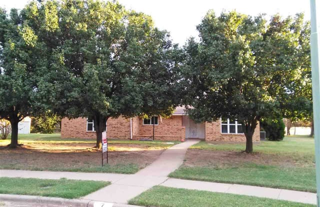 7 MCNABB CIRCLE - 7 McNabb Cir, Wichita Falls, TX 76306