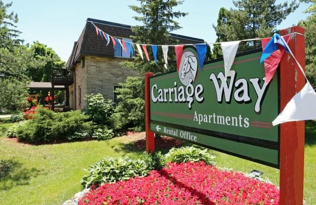 Carriage Way Apartments - 1405 S Coachlight Dr, New Berlin, WI 53151