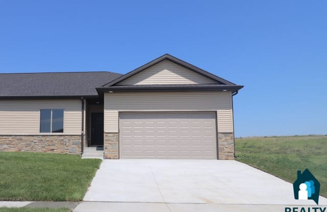 7146 NW 18th - 7146 NW 18th St, Lincoln, NE 68521