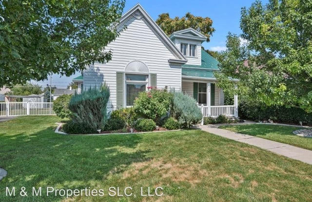 205 E 4800 S - 205 4800 South, Murray, UT 84107