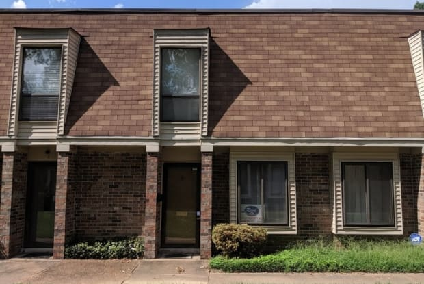 6635 Poplar Woods Circle S. - 6635 Poplar Woods Circle South, Germantown, TN 38138