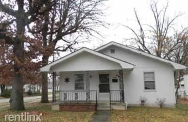 1431 W Thoman St - 1431 West Thoman Street, Springfield, MO 65803