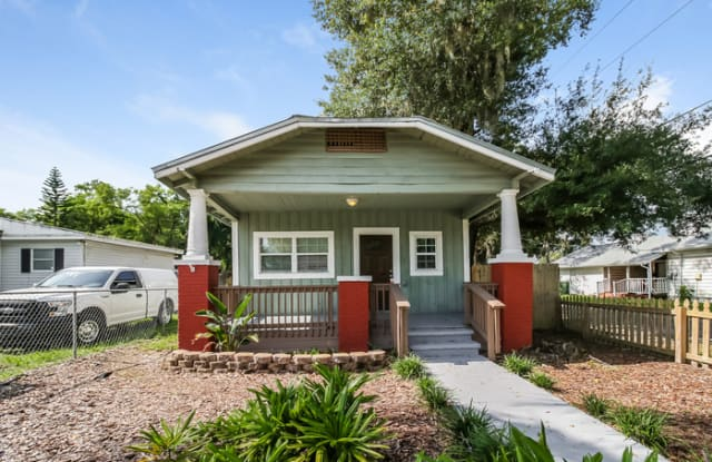 805 East Knollwood Street - 805 East Knollwood Street, Tampa, FL 33604