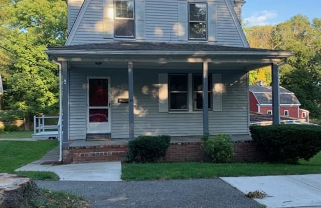 40 Newfield St - 40 Newfield Street, Plymouth, MA 02360