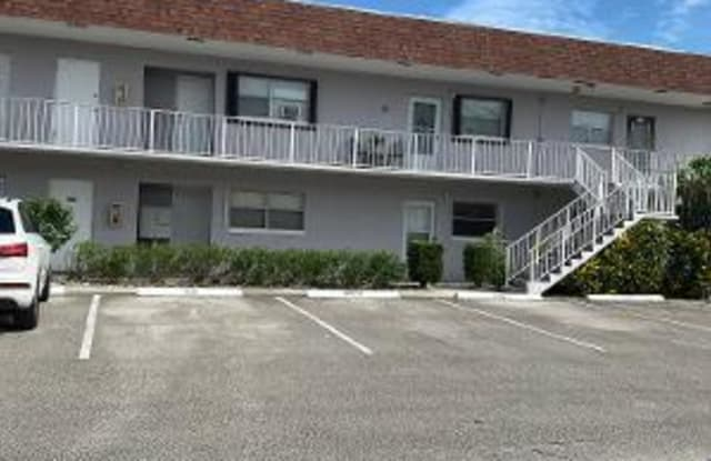 1245 Carlton Court - 1245 Carlton Court, Fort Pierce, FL 34949