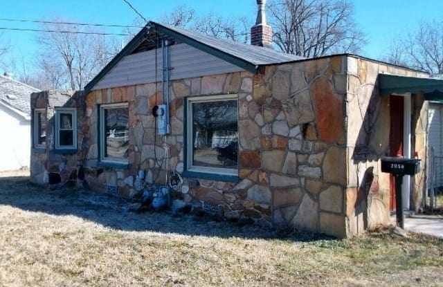 2058 N Grace Ave - 2058 North Grace Avenue, Springfield, MO 65803