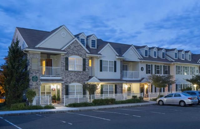 The Commons at Upper Saddle River - 2 Silver Beech Ct, Upper Saddle River, NJ 07458