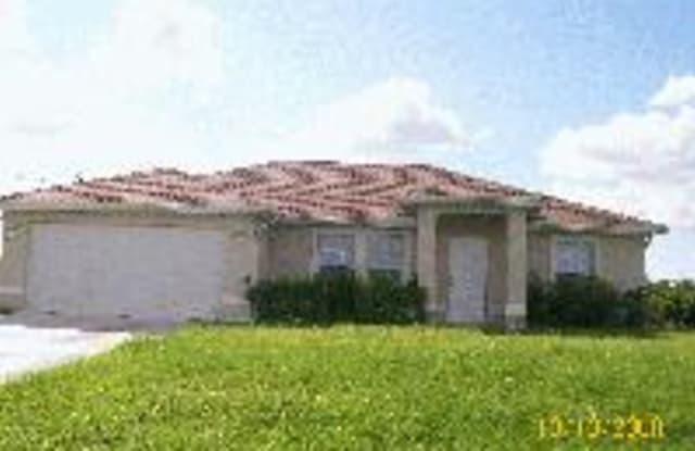 344 Pinehurst Ave - 344 Pinehurst Avenue, Lehigh Acres, FL 33974