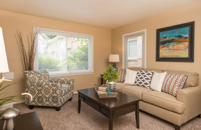 Brentwood Park Townhomes and Apartments - 1301 Highway 7, Hopkins, MN 55305