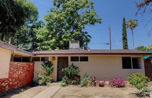 8219 Aura Ave - 8219 Aura Avenue, Los Angeles, CA 91335