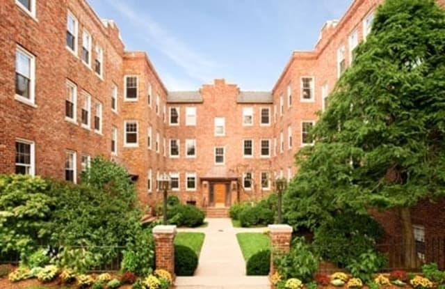 Auburn Harris Courtyard - 37 Auburn Street, Brookline, MA 02446