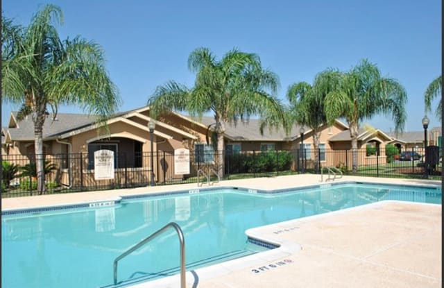 Income Restricted - Casa Messina - 7766 Mile 16 N, Edcouch, TX 78538